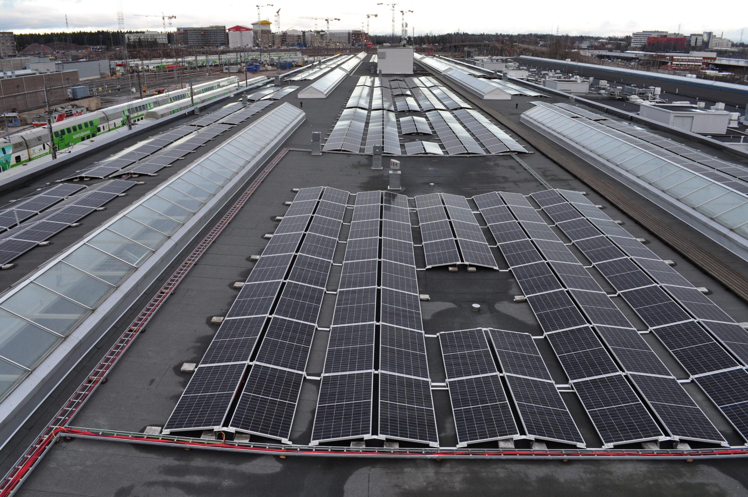 New solar panels on the roof of VR's Helsinki depot, Pendolino Hall