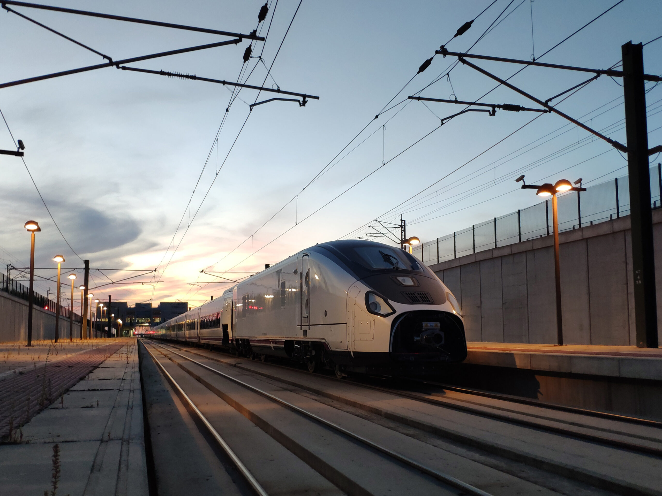 The Talgo Avril very high-speed train begins dynamic testing