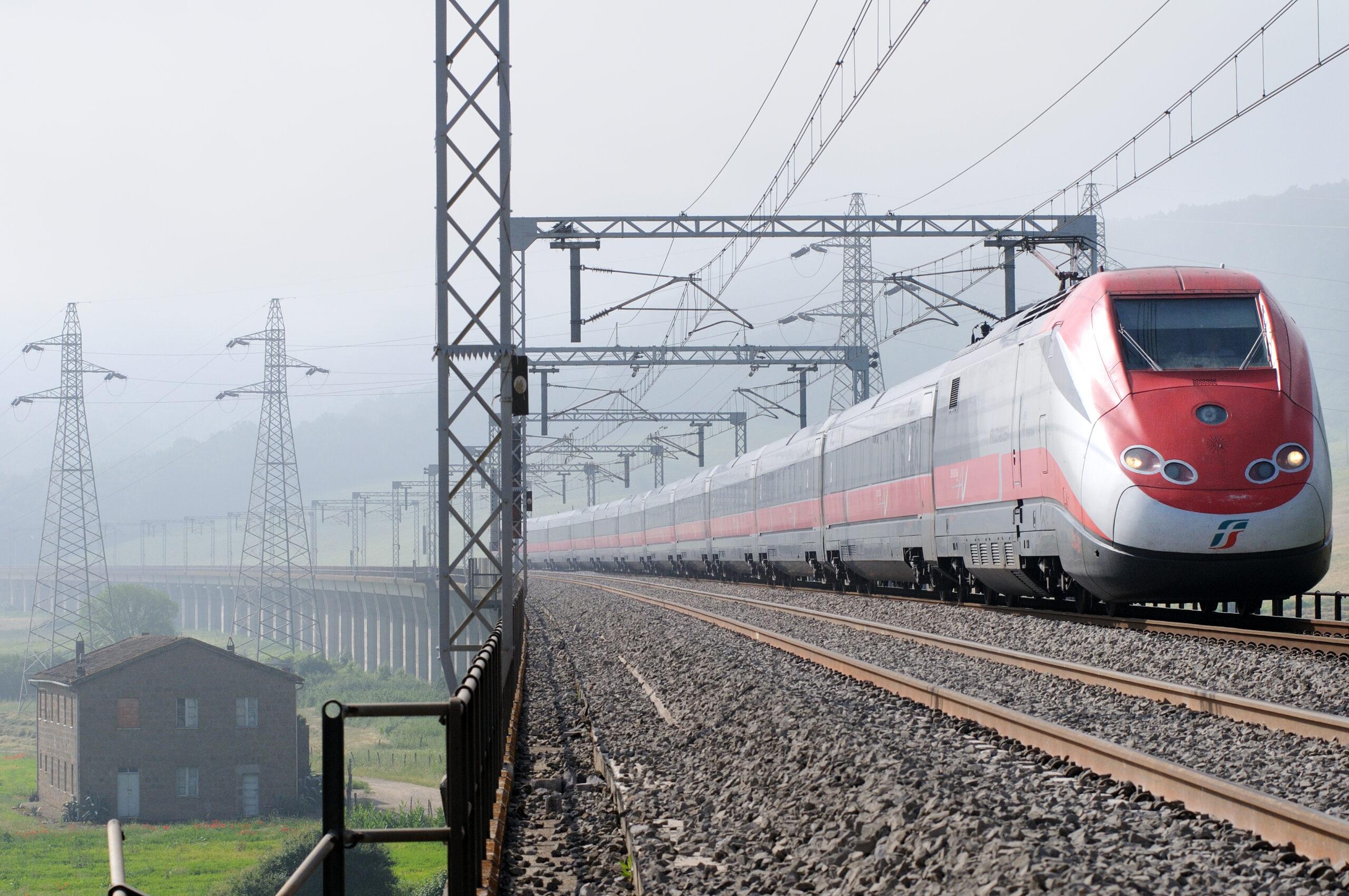High-speed rail in Italy: A Frecciarossa ETR 500
