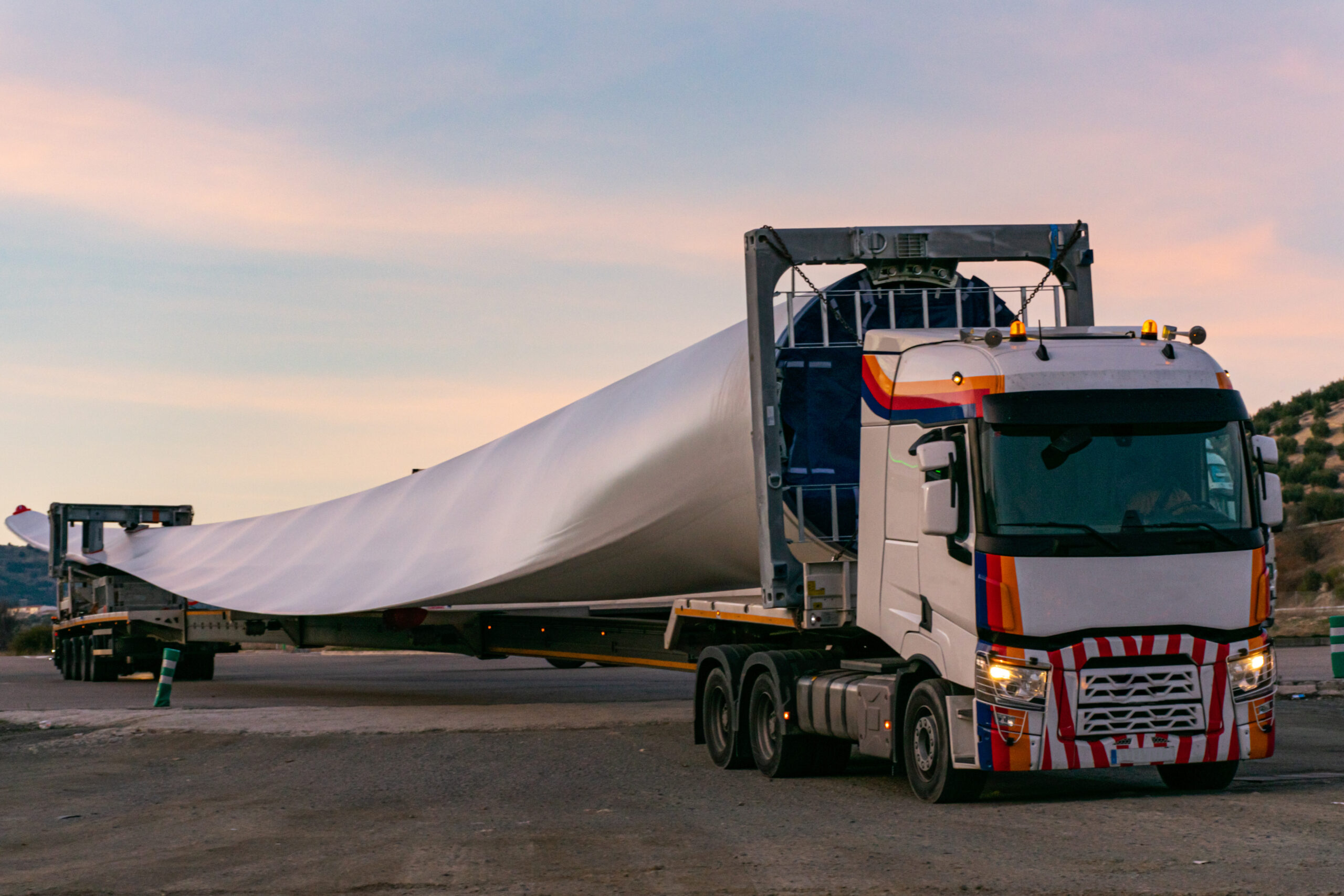 Wind turbine blades to be used in reinforced concrete for HS2