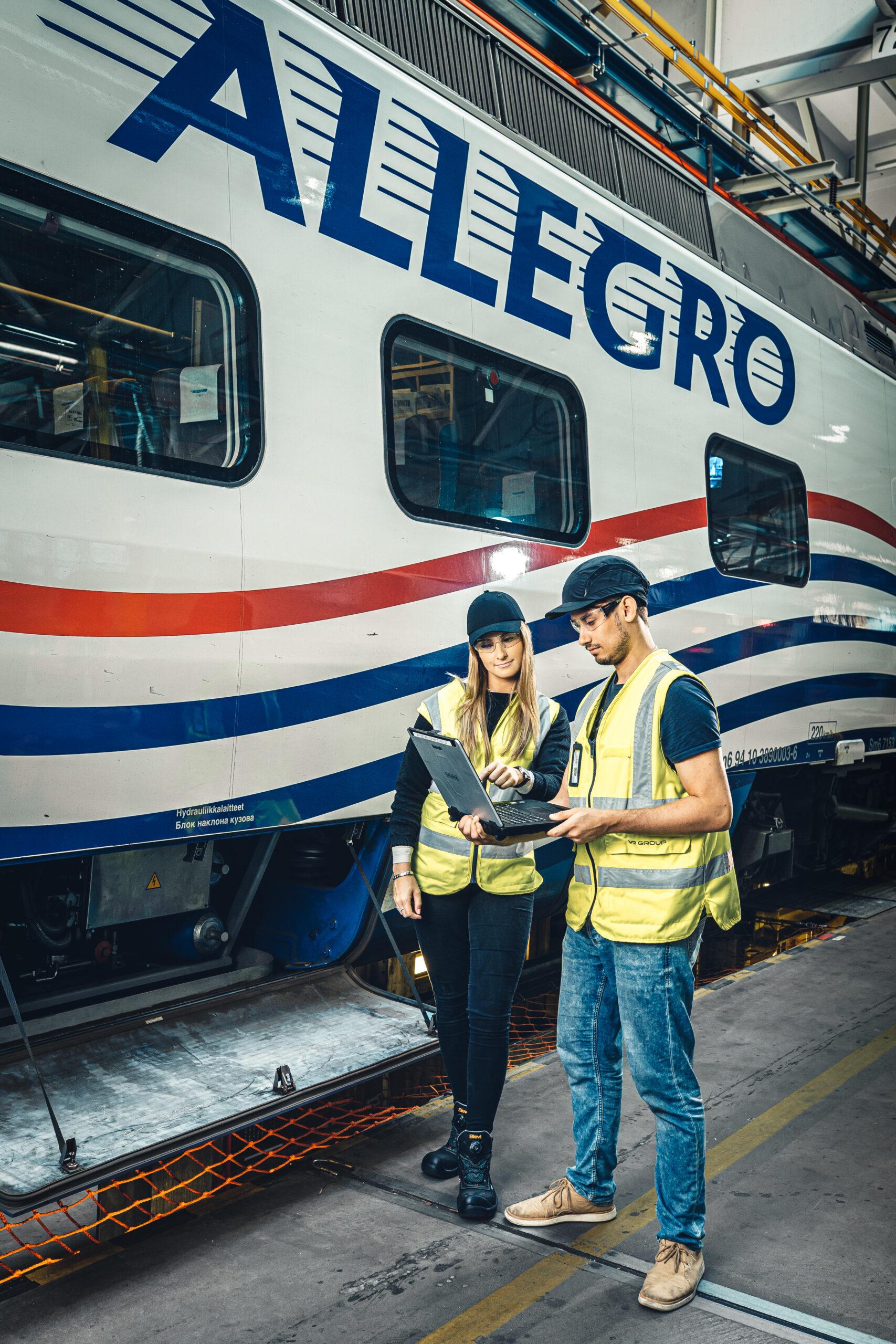 Experts reviewing maintenance diagnostics