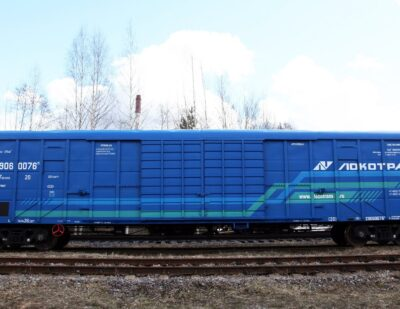Freight Car Manufacturer UWC Delivers Box Cars to Locotrans