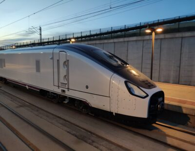 Talgo Gives Second Life to Intercity Trains with New Renfe Locomotive Contract
