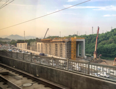 Track Laying for Jiangxi Section of the Ganzhou-Shenzhen High-Speed Railway Complete