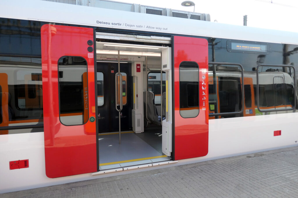masats doors Stadler trains