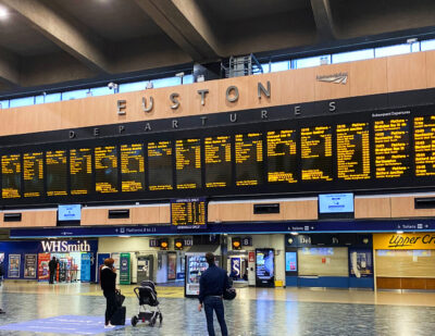 Euston Station First in UK to Make Announcements in British Sign Language