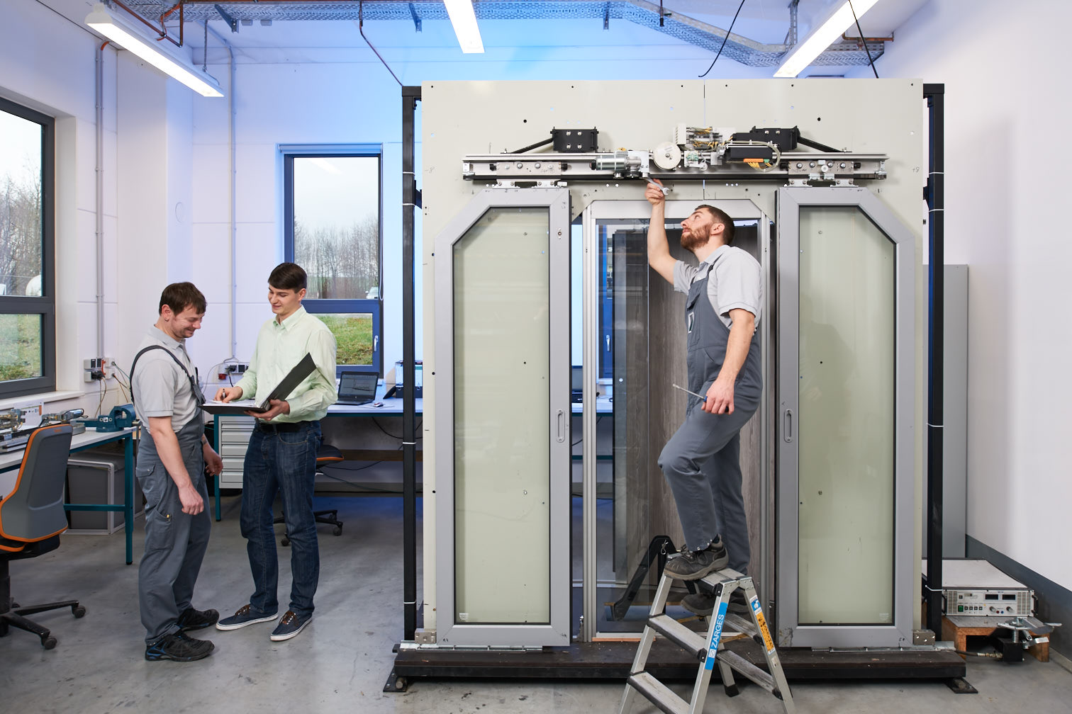 Test Facility for Door Systems