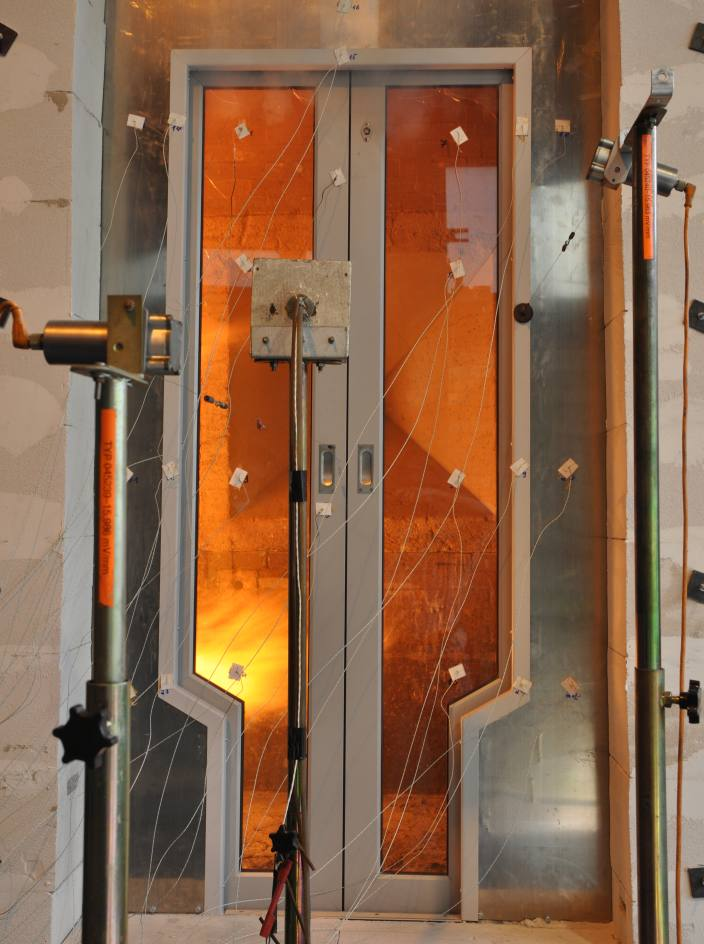 Door System in Fire Protection Test