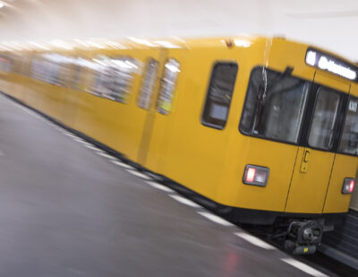 EYYES Porducts Subway Trains shutterstock_605660966