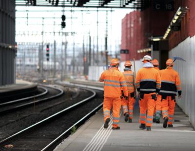 Five Reasons Hydraulic Tools Are Rail Yard Liabilities