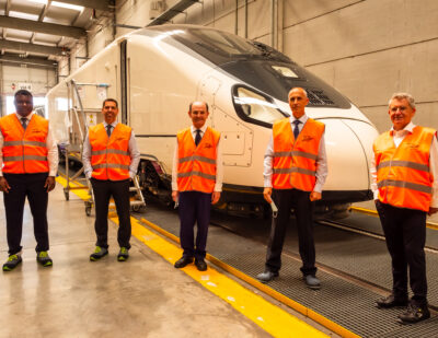 Talgo and Repsol Collaborate on Renewable Hydrogen-Powered Train Project