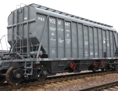 EuroChem and UWC Sign Contract for 2,000 Mineral Hopper Cars