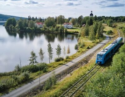 Alstom Coradia iLint Hydrogen Train Showcased in Sweden for First Time