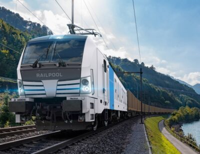 Railpool Orders First Siemens Mobility Vectron Multisystem Locomotives