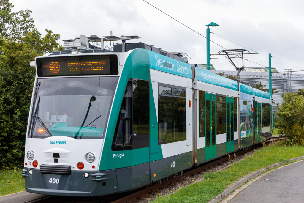 Siemens Mobility and partner present research project Autonomous Tram in Depot