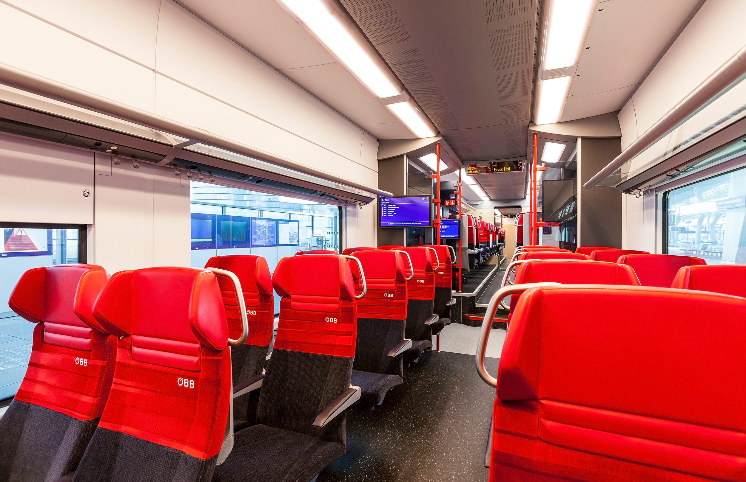 Siemens Desiro ML for Austrian Federal Railways interior