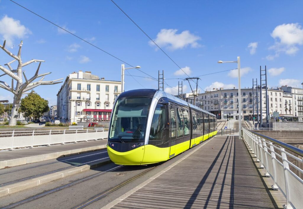 SYSTRA Returns to Brest with New Tramway and Electric Bus Project