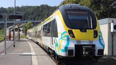 Alstom Demonstrates Battery-Powered Multiple Unit Train in Saxony